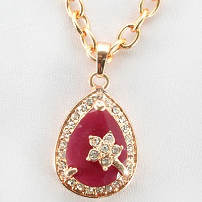 SUPERIOR FASHION DESIGN RED CREATED GEMSTONES YELLOW ALLOY NECKLACE