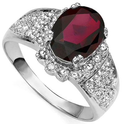 EXQUISITE 2.21 CT GARNET WITH DOUBLE GENUINE DIAMONDS 0.925 STERLING SILVER W/ PLATINUM RING