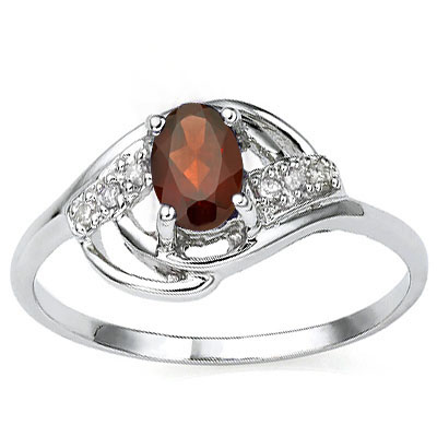 ALLURING 0.66 CT GARNET WITH DOUBLE GENUINE DIAMONDS 0.925 STERLING SILVER W/ PLATINUM RING