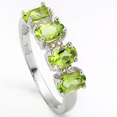 MAGNIFICENT 1.70 CARAT TW (4 PCS) PERIDOT & DOUBLE GENUINE DIAMONDS PLATINUM OVER 0.925 STERLING SILVER RING