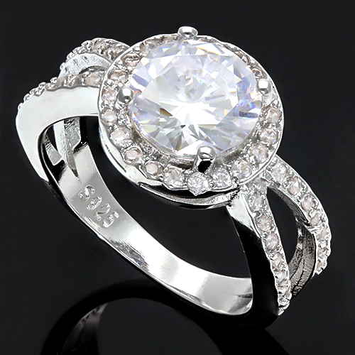 FLAWLESS CREATED DIAMOND SOLITAIRE 18K