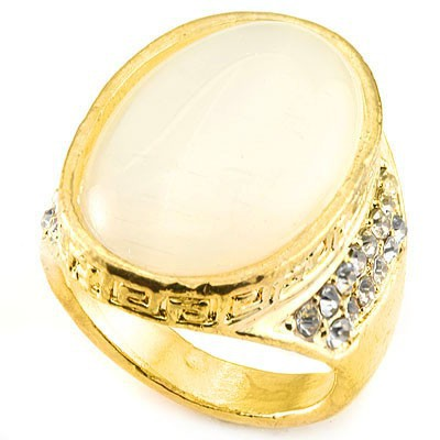 SHIMMERING FASHION DESIGN WHITE CREATED GEMSTONES GOLDEN YELLOW ALLOY RING SIZE 8