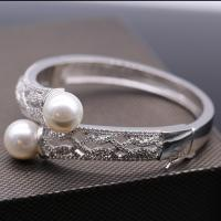 SPARKLING ! 12MM MAN MADE PEARL & FLAWLESS CREATED DIAMOND 18K GOLD PLATED GERMAN SILVER BANGLE