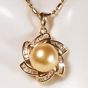 ANCIENT COLLECTION 9.6MM GENUINE SOUTH SEA GOLDEN PEARL WITH 53 TAPER(TW=0.48CT) GENUINE DIAMONDS 14KT SOLID GOLD PENDANT